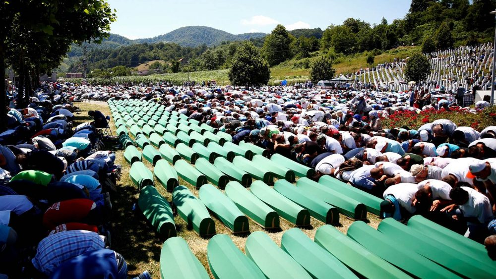 srebrenica-mass-funeral