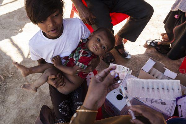 Rohingya_vaccinations_UN014