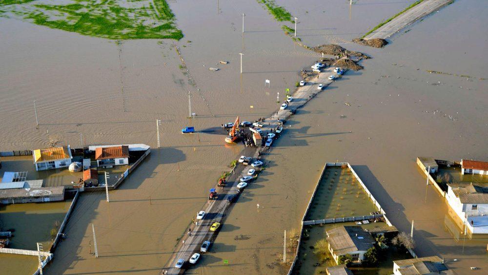 iran-floods-9